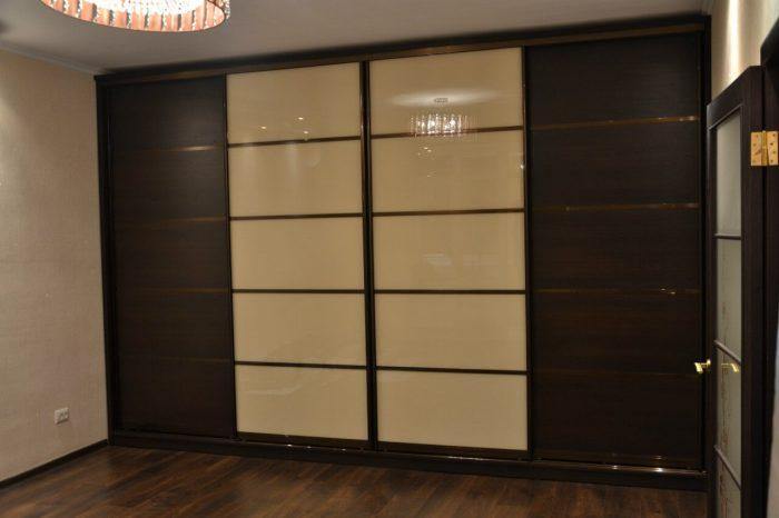 Большой шкаф-купе-Шкаф-купе из стекла Лакобель «Модель 126»-фото1