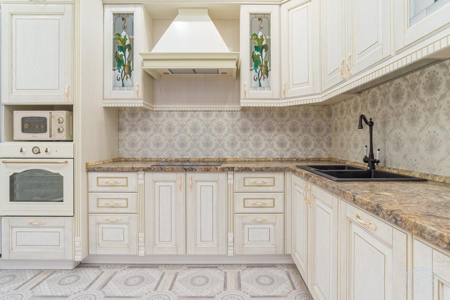 Белый кухонный гарнитур-Кухня из шпона «Модель 8»-фото3