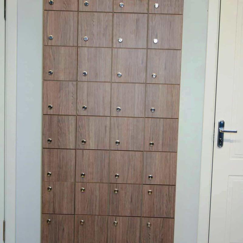 Торговая мебель-Шкафчики для раздевалки «Модель 167»-фото2