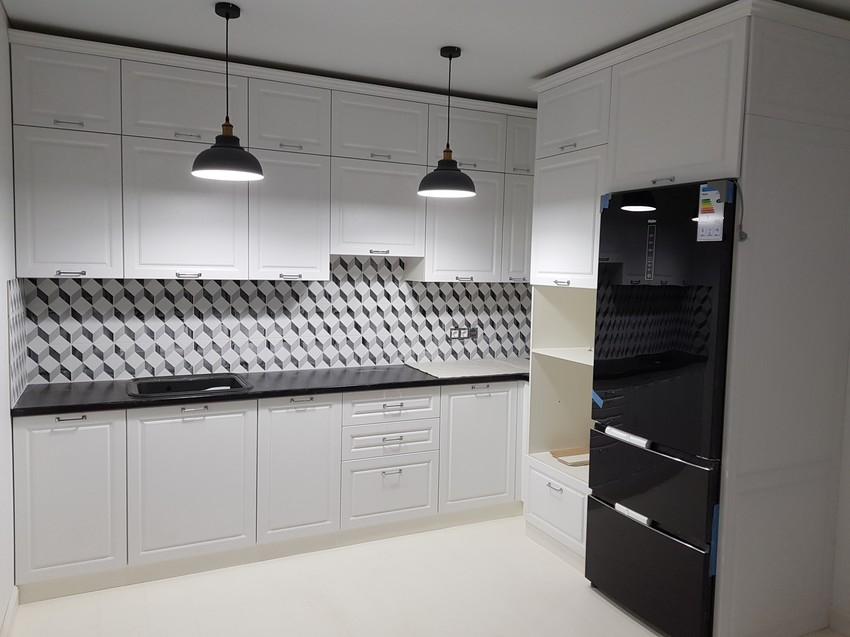 Белый кухонный гарнитур-Кухня МДФ в ПВХ «Модель 474»-фото1
