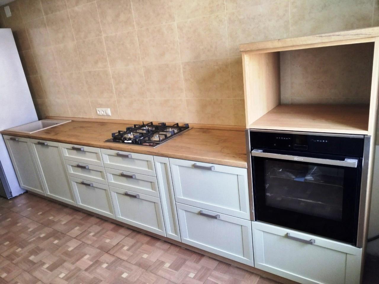 Белый кухонный гарнитур-Кухня из шпона «Модель 537»-фото2