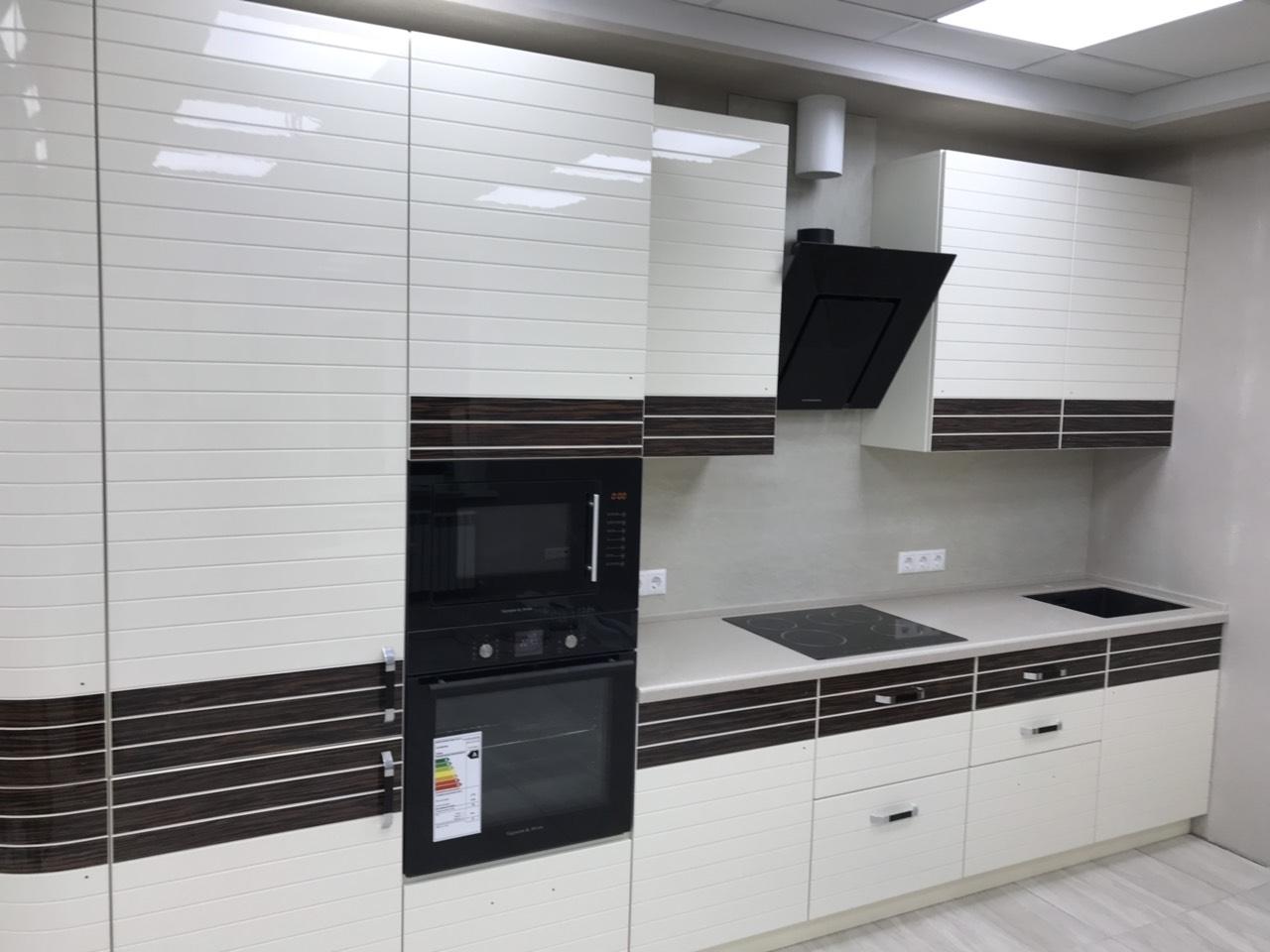 Белый кухонный гарнитур-Кухня из шпона «Модель 524»-фото3