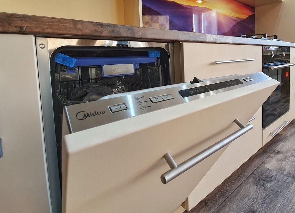 Белый кухонный гарнитур-Кухня МДФ в эмали «Модель 542»-фото10