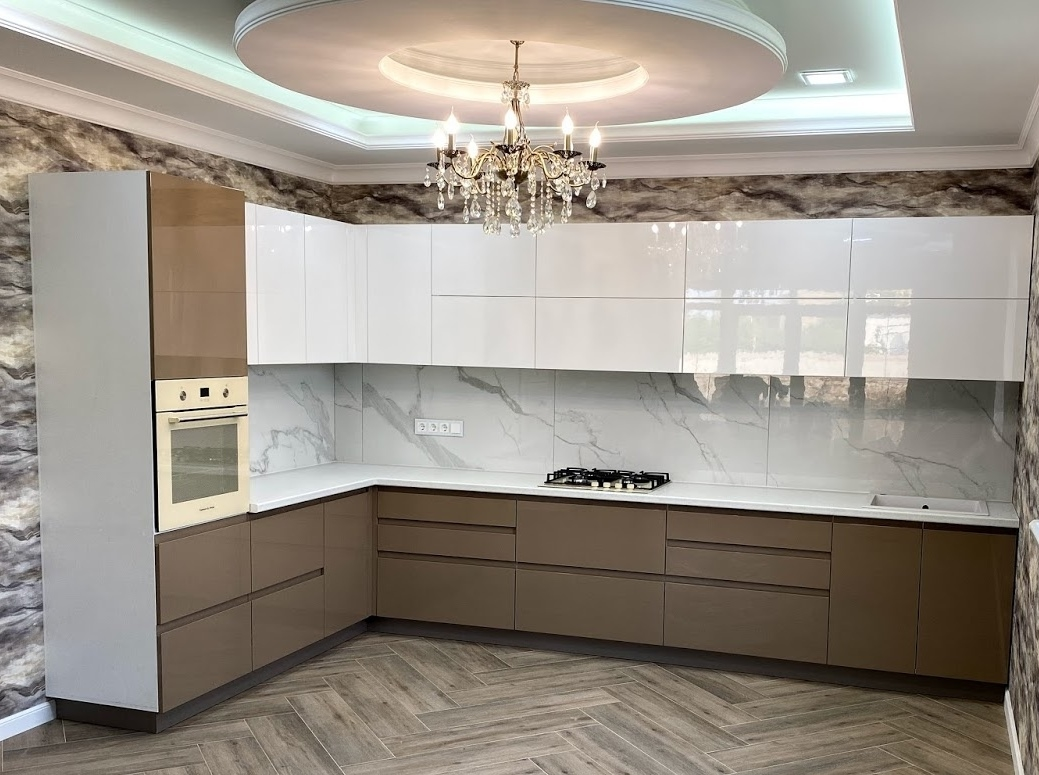 Белый кухонный гарнитур-Кухня МДФ в эмали «Модель 565»-фото1