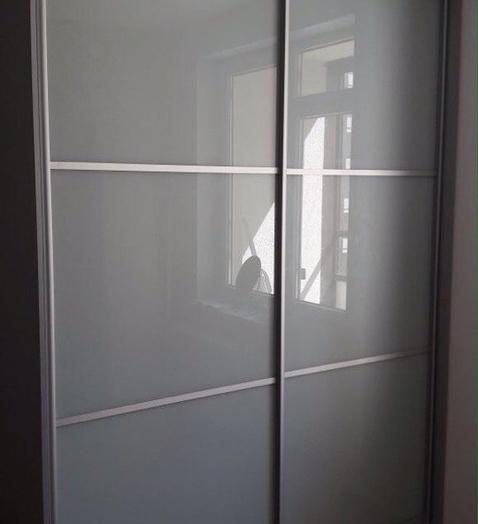 Бельевой шкаф-купе-Шкаф-купе из стекла Лакобель «Модель 361»-фото2