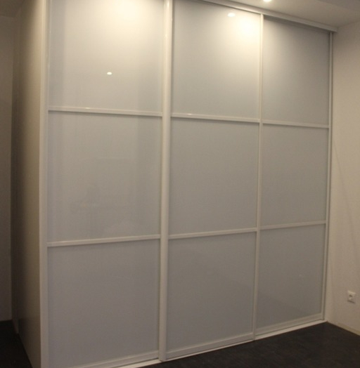 Белые шкафы-купе-Шкаф-купе из стекла Лакобель «Модель 17»-фото5