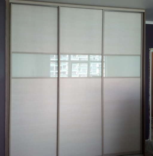 Белые шкафы-купе-Шкаф-купе из стекла Лакобель «Модель 210»-фото3